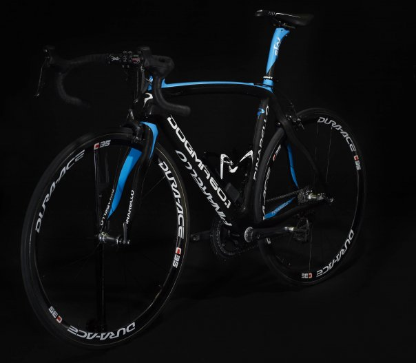 Team Sky - Dogma with Di2 group.