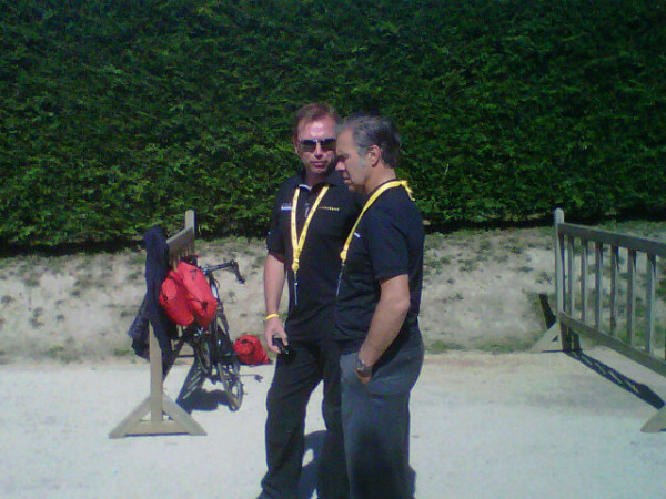 Och and Bruyneel chatting
