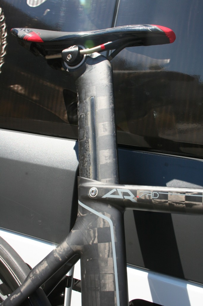 The aero and light-weight seatpost